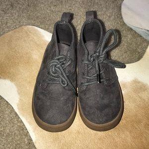 Gap suede shoes
